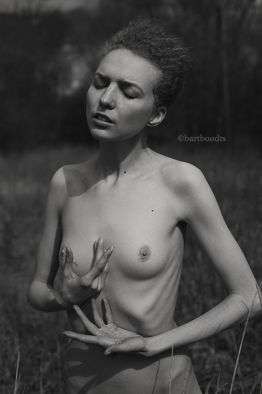 Tendresse Fragile Artistic Nude Artwork by Photographer Bart Boodts