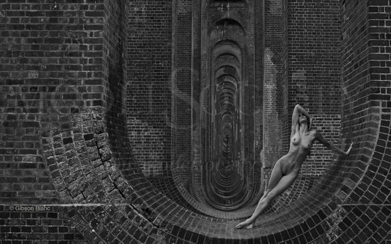 Tessag Artistic Nude Photo by Photographer Gibson