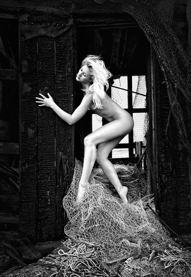 The Catch Artistic Nude Photo by Photographer RayRapkerg