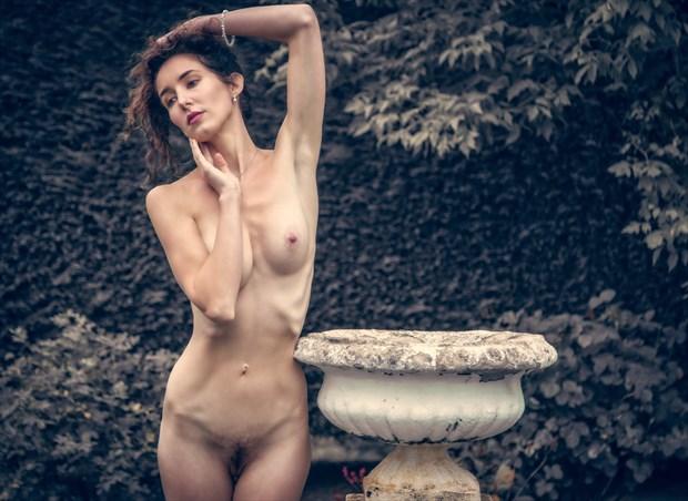 The Empty Urn Artistic Nude Photo by Photographer MaxOperandi