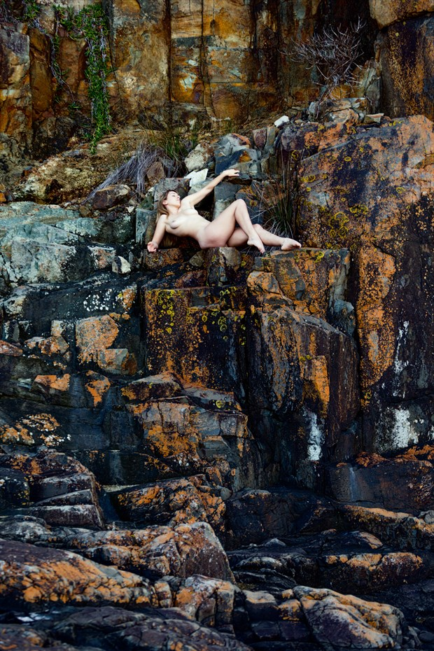 The Ledge Artistic Nude Photo by Photographer Stephen Wong