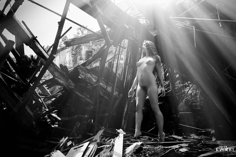 The Outer Limits Artistic Nude Photo by Photographer mtygerphoto