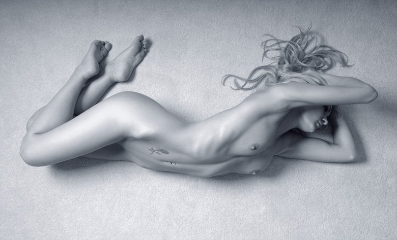 The muse Artistic Nude Photo by Photographer Roger Mann