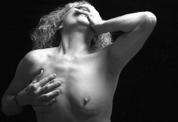 The scream 1 Artistic Nude Photo by Photographer StudioVi2