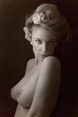 The soul selects her own society Artistic Nude Photo by Model Muse