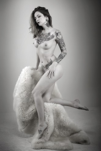 Theresa Manchester Artistic Nude Photo by Photographer Samuel E Burns