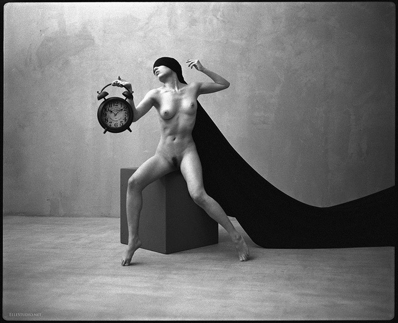 Time Artistic Nude Artwork by Photographer Fabien Queloz