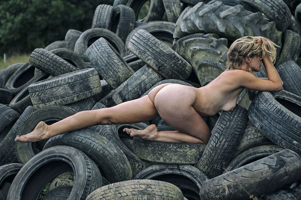 Tired Artistic Nude Photo by Model Selkie