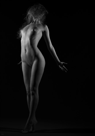 To rest and trust; to give your soul in confidence: I need this, I need someone to pour myself into Artistic Nude Photo by Photographer Ellie Kellam