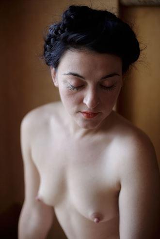 Tomahawk in window light, 2018 Artistic Nude Photo by Photographer Ektar