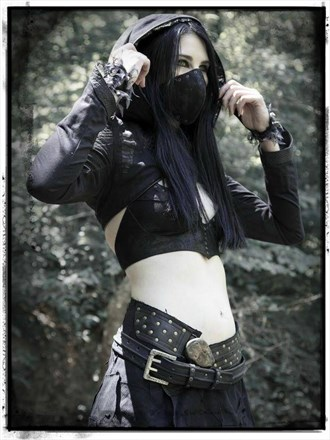 Tribal Assassin Cosplay Photo by Model LadyRhiannonVictoria