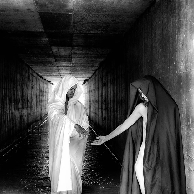 Tunnel of Love Artistic Nude Photo by Photographer MickeySchwartz