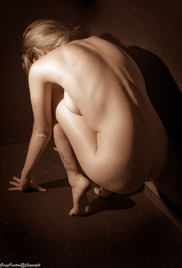 Turn my back Artistic Nude Artwork by Photographer Revel Photo