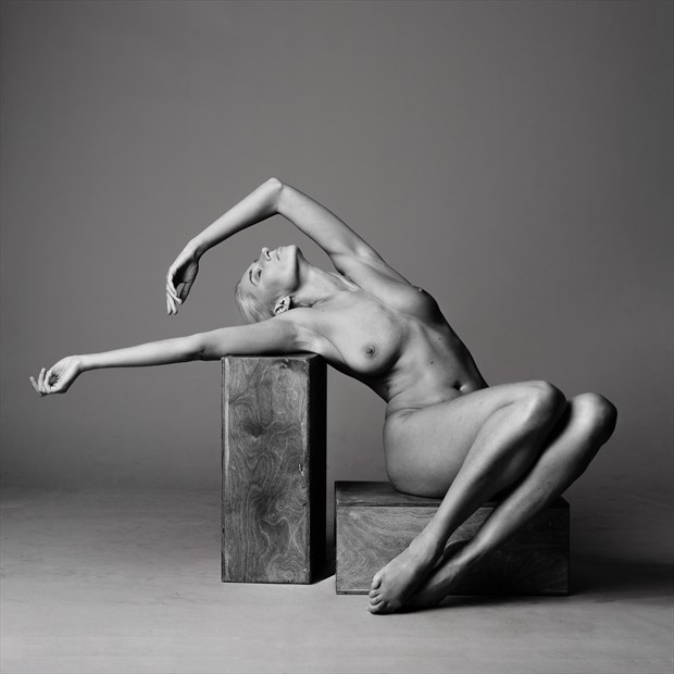 Tuska Artistic Nude Photo by Photographer AndyD10