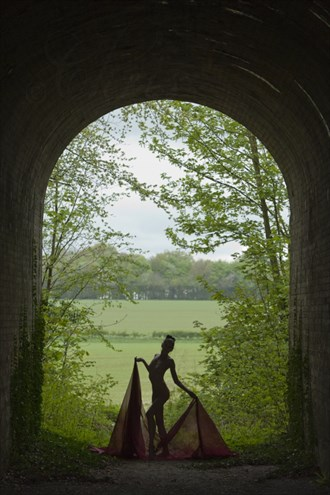 UNDER THE ARCH'S Artistic Nude Photo by Model Fleur