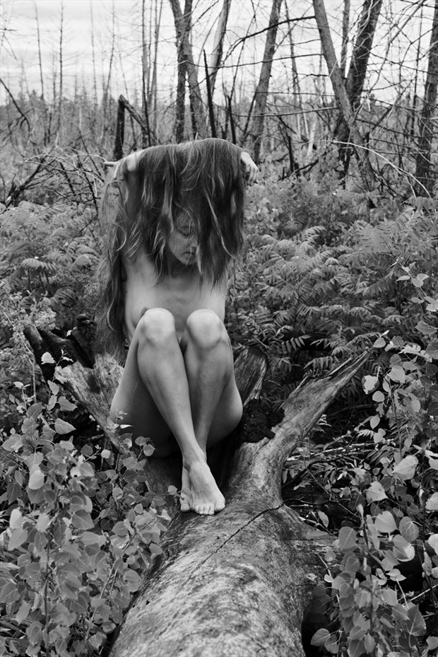 Under my hair Artistic Nude Photo by Photographer Jyves