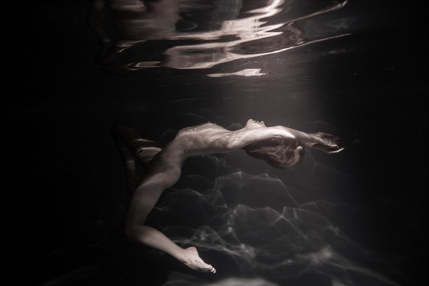Underwater Artistic Nude Photo by Model Sylph Sia