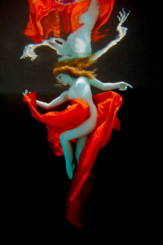 Underwater Dreaming VII Artistic Nude Photo by Photographer Christopher Meredith