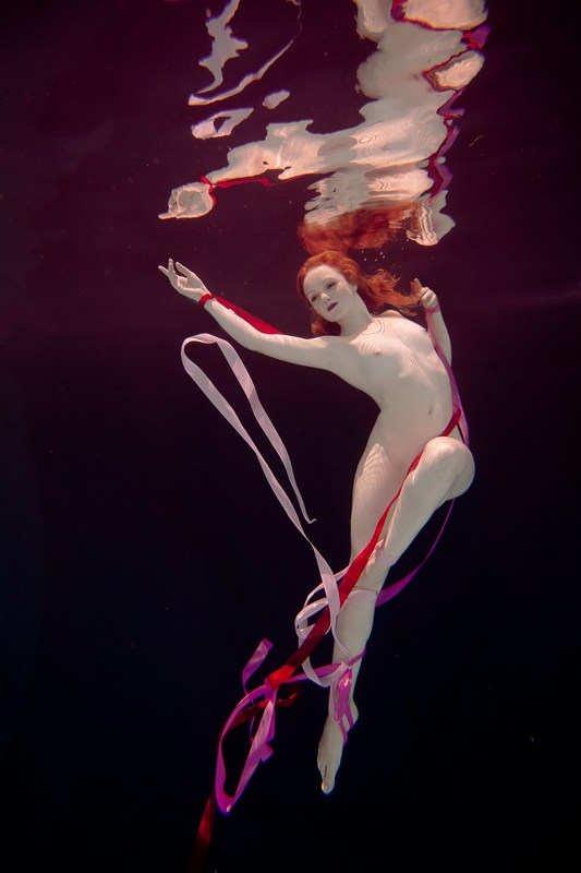 Underwater Dreaming XII Artistic Nude Photo by Photographer Christopher Meredith