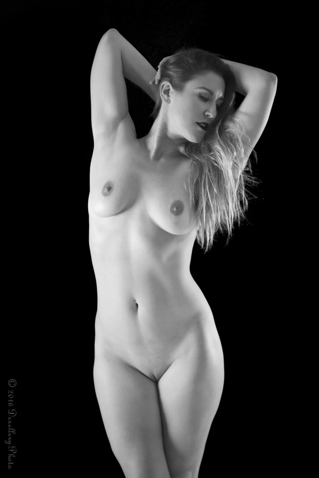 Unfettered Artistic Nude Photo by Photographer Dexellery Photo