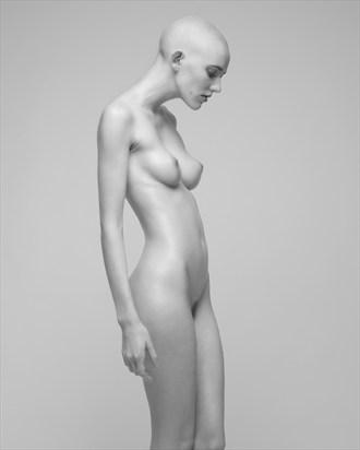 V Nixie Artistic Nude Photo by Photographer Sylvie B