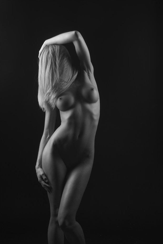 Venus Artistic Nude Photo by Photographer Randall Hobbet
