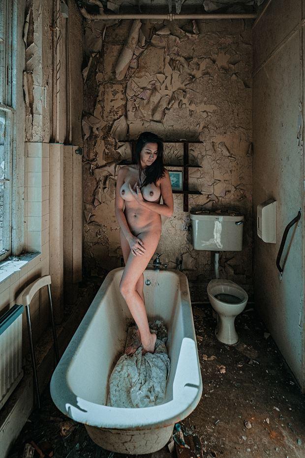 Venus in Dereliction  Artistic Nude Photo by Photographer Ceri Vale