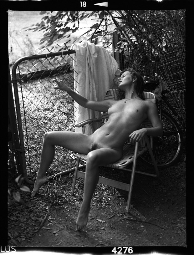 Vex in Morning Artistic Nude Photo by Photographer Grant Beecher