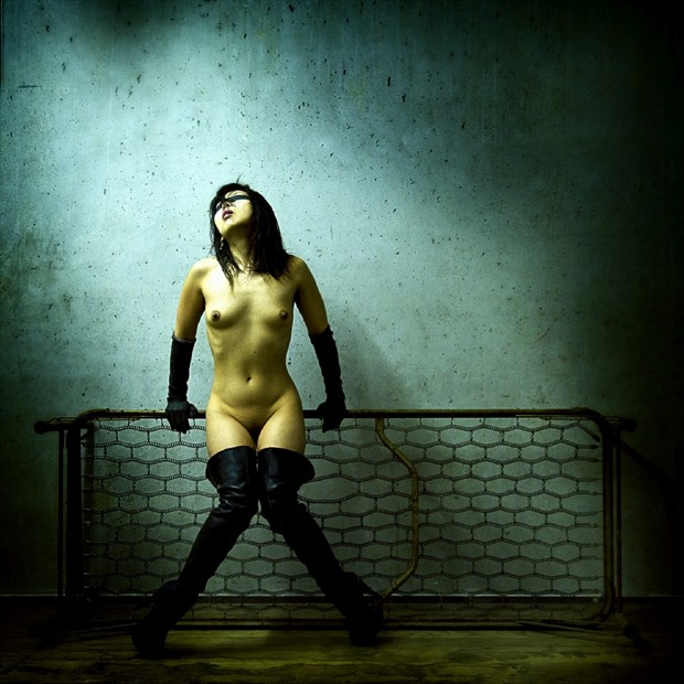 Victime 302   suffering Artistic Nude Photo by Photographer eye4you.ch