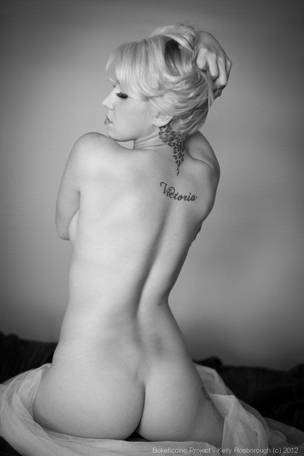 Victoria's back Artistic Nude Photo by Photographer Bokehccino Project