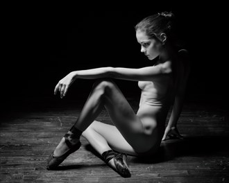 Vik Artistic Nude Photo by Photographer ZurdoFot%C3%B3grafo