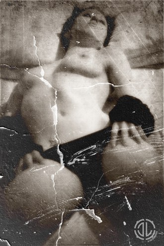 Vintage Erotica Artistic Nude Photo by Photographer JLFotograffiti