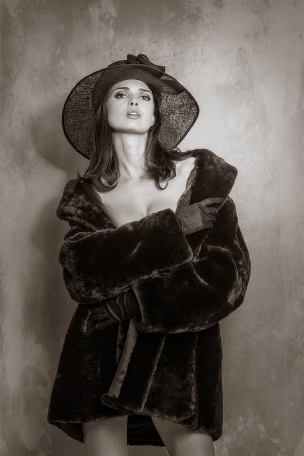 Vintage Style Glamour Photo by Photographer MaxOperandi