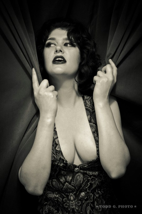 Vintage Style Gothic Photo by Model Dahliaa Black