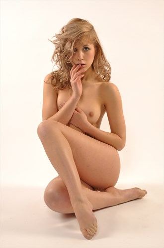 Vulnerable Artistic Nude Photo by Photographer Calandra Images