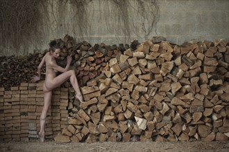 WOOD SHED Artistic Nude Photo by Model Fleur