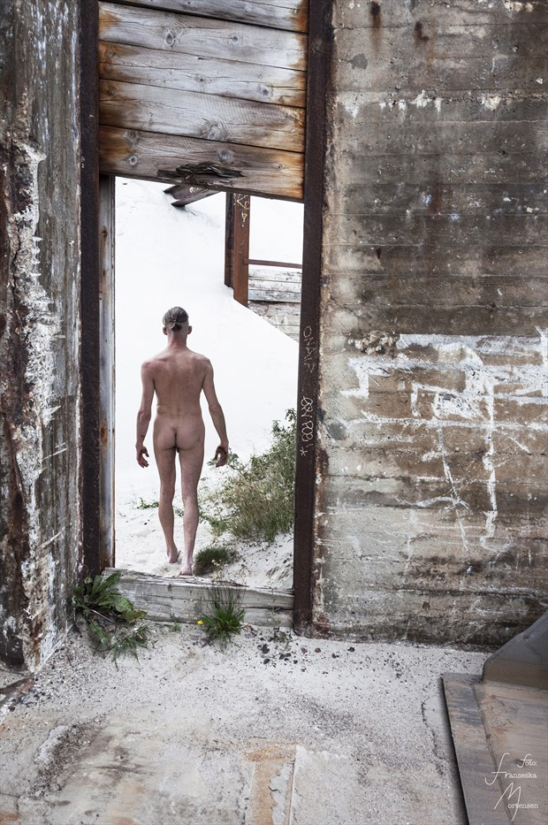 Walk away Artistic Nude Photo by Model Lars