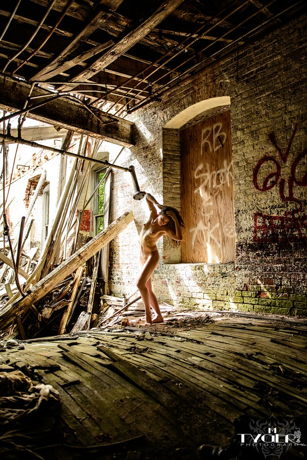Warped and Twisted Artistic Nude Photo by Photographer mtygerphoto