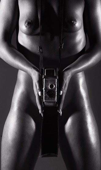 Watch the Birdie Artistic Nude Photo by Photographer mephotography