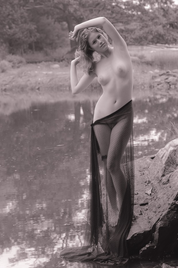 Water Nymph Artistic Nude Photo by Model Arshae Morningstar
