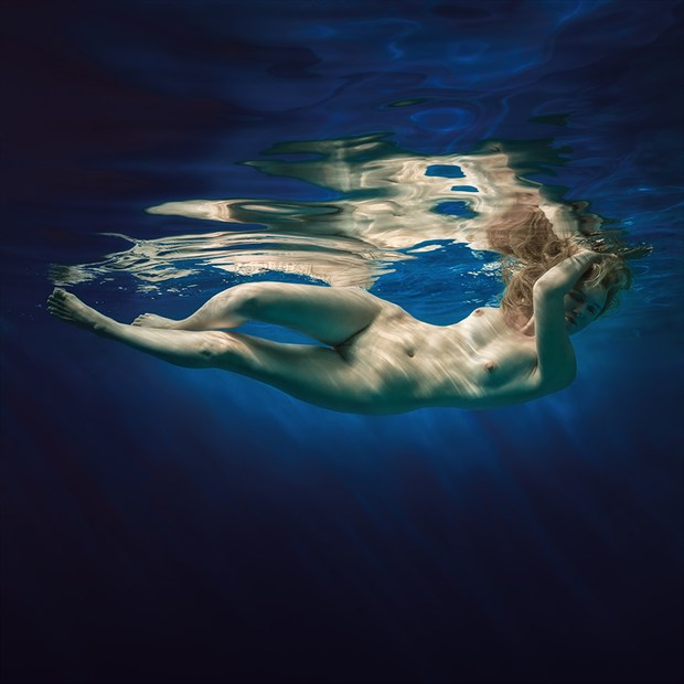 Water element. Artistic Nude Photo by Photographer dml