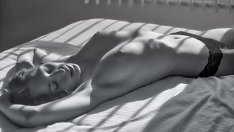 Willa in Recline. Artistic Nude Photo by Photographer PhotoGuyMike