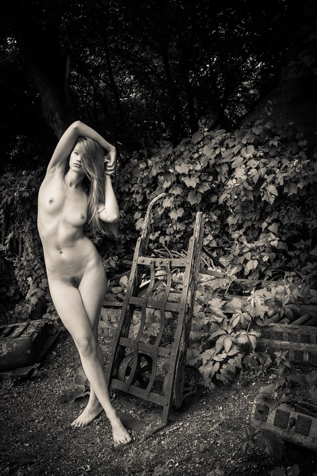 Wine Country Artistic Nude Photo by Photographer Risen Phoenix