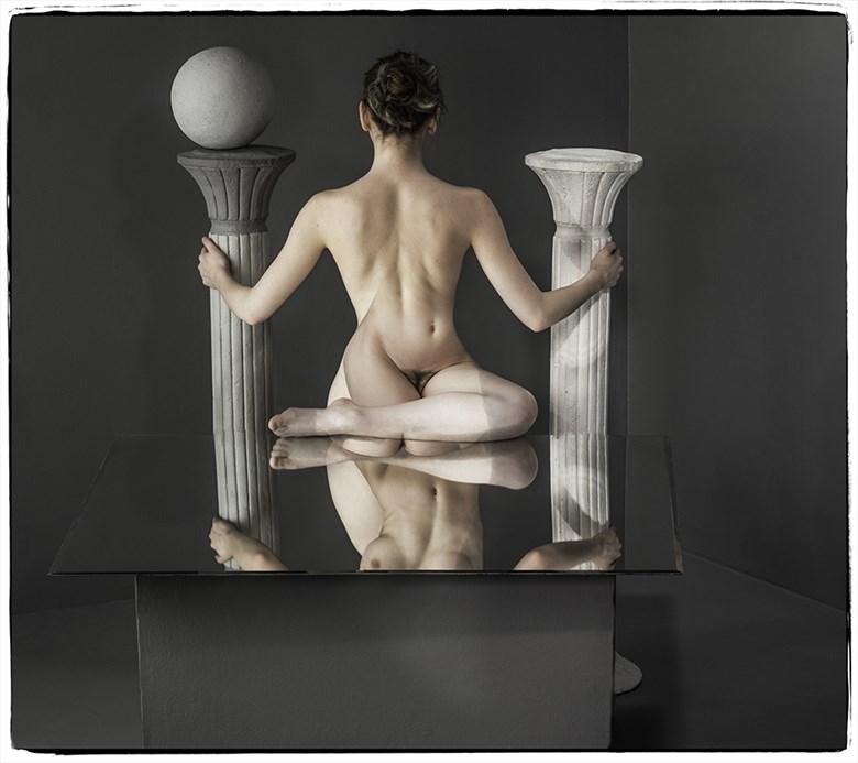 Yoga Artistic Nude Photo by Photographer Thomas Sauerwein