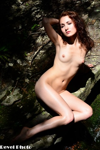Zoe Illuminated 9 Artistic Nude Photo by Photographer Revel Photo