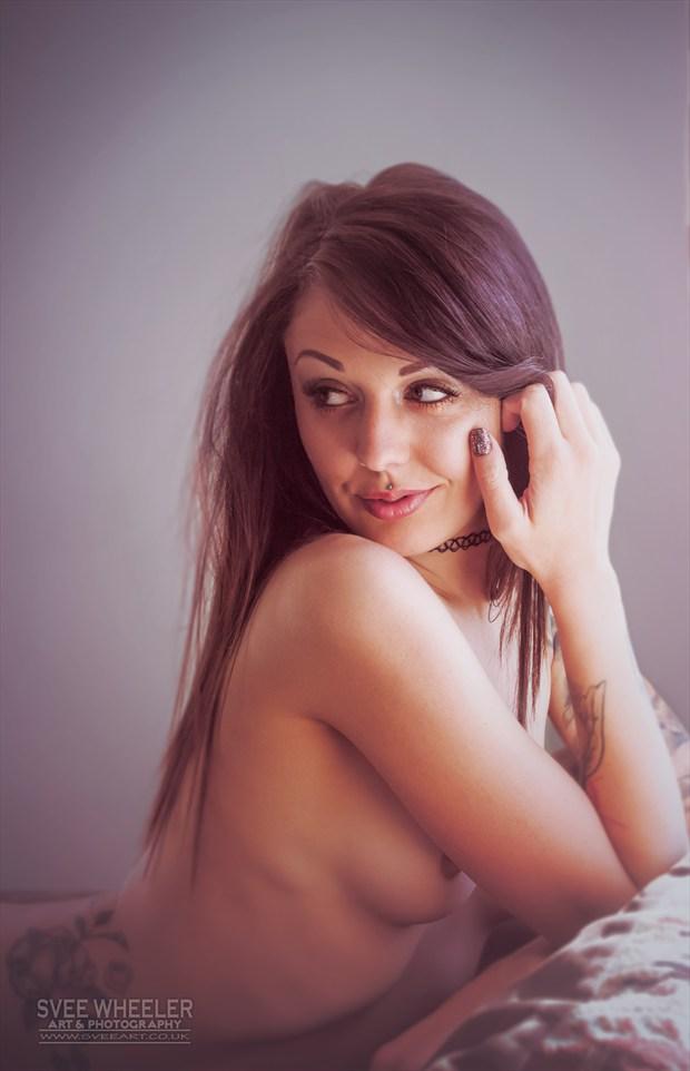 Zoe window Artistic Nude Photo by Artist Svee