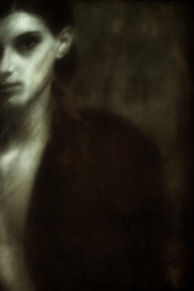 Zum Greifen Nah Expressive Portrait Artwork by Artist radikalis vertikalis