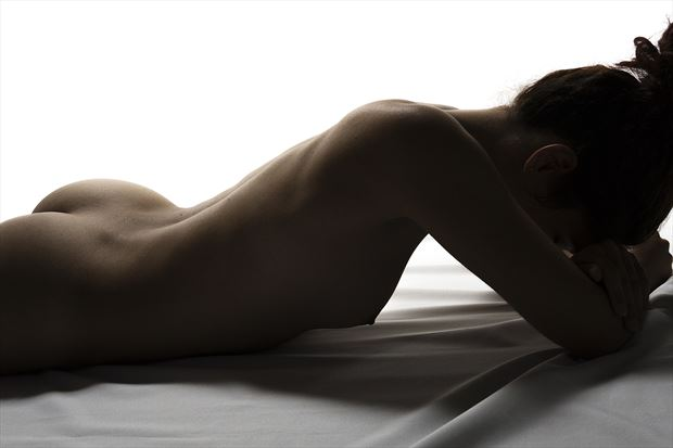 a break in the session artistic nude photo by photographer hermanodani