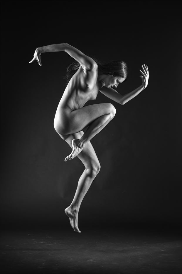 a dance ii artistic nude artwork by photographer du%C5%A1an %C5%A1traus