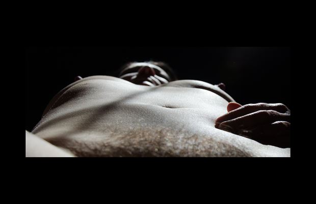 a familiar view artistic nude photo by photographer daylight evocation
